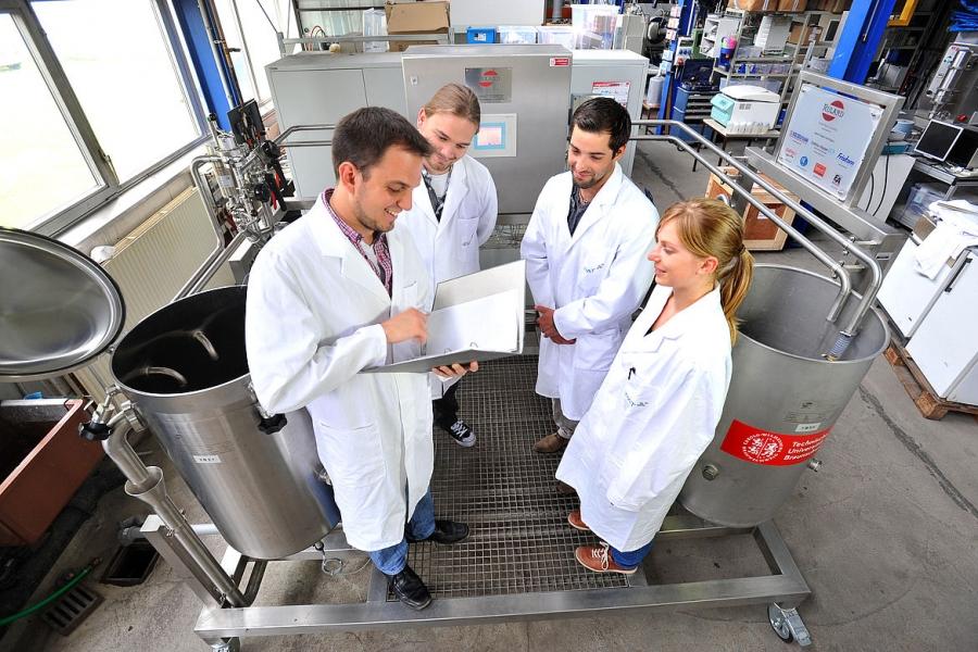 Nanopartikeltechnik: Forschung ganz nah – beim Institut für Nanopartikeltechnik der TU Braunschweig. Bildnachweis: Frank Bierstedt